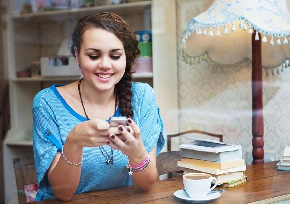 Ne bombázd sms-ekkel, ha nem ír vagy nem válaszol hamarjában. Biztosan van valami oka.