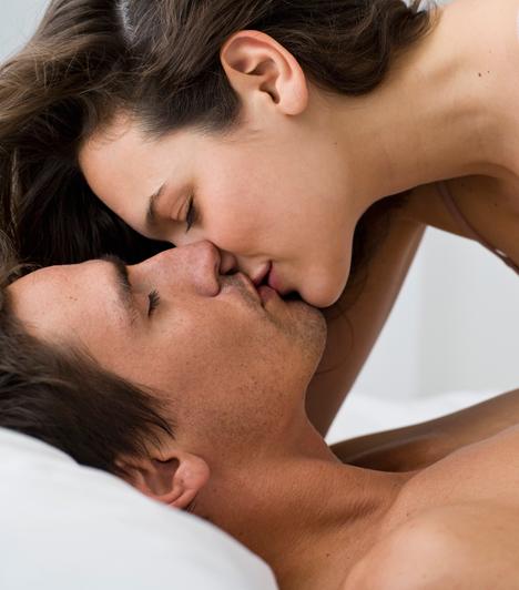 Száj  A tantrikus tanítások szerint a nyelv és a nemi szervek közvetlen összeköttetésben állnak, de az ajkakban található temérdek idegvégződés miatt egyébként is fontos szerepük van az igazán érzéki élményben.
