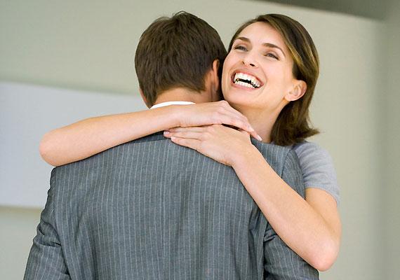 Egy szívből jövő ölelés rendkívül jól tud esni, és egyértelműen jelzi, mennyire szeretitek egymást.