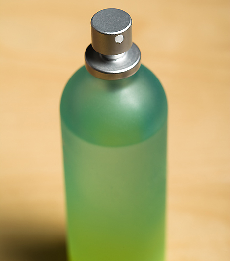 ParfümAz illat a legintenzívebb szexuális fegyvered lehet: viseld kedvenc parfümöd, ami aromájával személyiségedet és vonzerődet is még határozottabbá teszi!Kapcsolódó cikk:Az 5 legfinomabb tavaszi parfüm - Szerintünk »