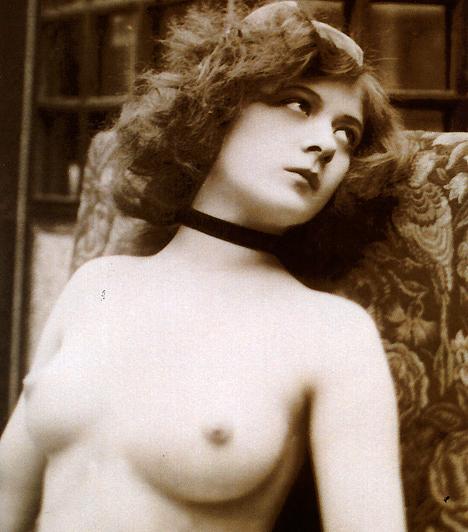 Erotikus fotók  A 19. században a nyílt erotika még mélységesen erkölcstelennek számított, így meztelen emberről kizárólag csak művészi tanulmány céljából lehetett fotót készíteni.