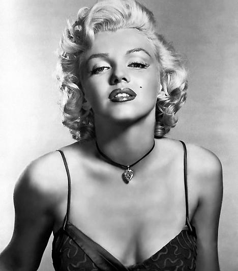 Marilyn Monroe                         Marilyn Monroe az egyik első szexikon, aki sokkal inkább erotikus kisugárzásának, semmint színészi tehetségének köszönhette karrierjét. Alakja a későbbi évtizedek nőideáljára is nagy hatással volt.