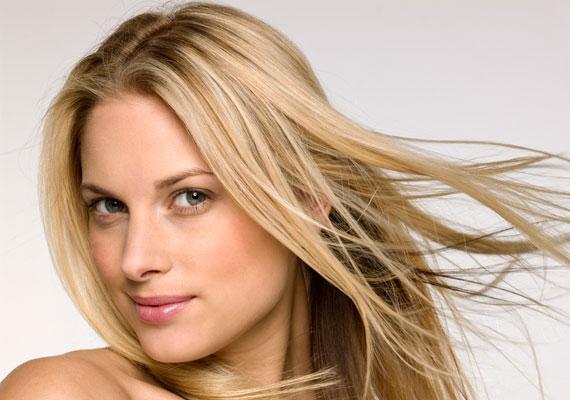 A férfiaknak külön receptoraik vannak a női haj érzékelésére, és legtöbbjük igencsak szeret gyönyörködni benne.