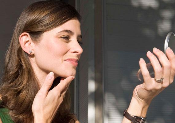 A sminket is hamar kiszúrják, de a legtöbben a természetesség hívei. Így az ideális smink a se túl sok, se túl kevés.