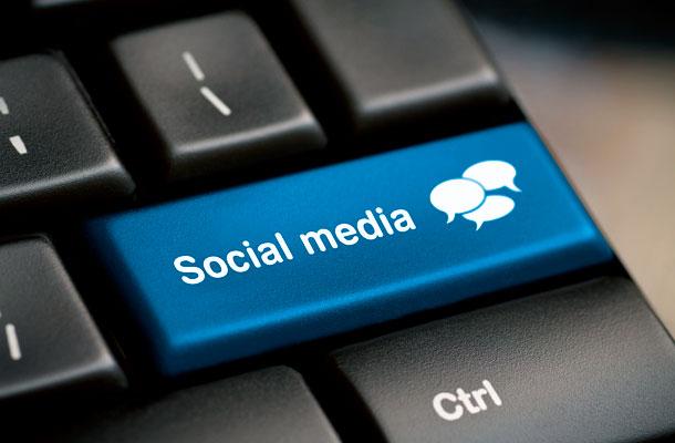 randevú közösségi oldal