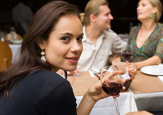 Ahogyan a túl sok alkohol is kedvezőtlenül befolyásolhatja az események kimenetelét.