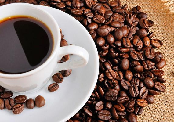 Frappé, latte, eszpresszó? Ha a férfi a különféle kávékat szereti a legjobban, akkor valószínűleg ambiciózus ember, aki egy percre sem áll le. Mivel kissé karrierista lehet, kapcsolatban nagyon toleránsnak kell lenned az időbeosztását illetően.