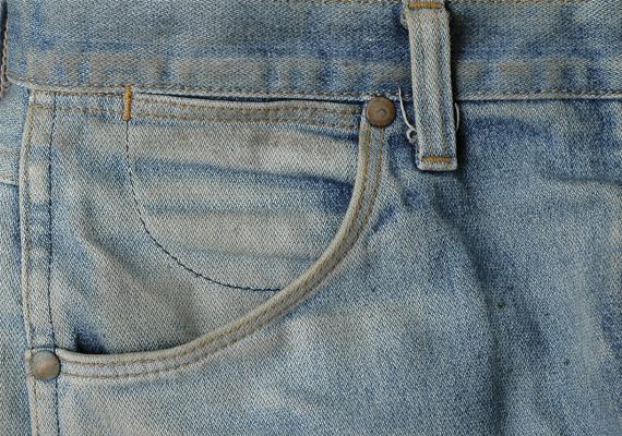 Az alsónadrág feletti dolgok is lényegesek: ha túl sokat hordja két mosás közt a ruháit, így azok elszürkülnek, esetleg kellemetlen szagot is kezdenek árasztani, az sem túl vonzó.