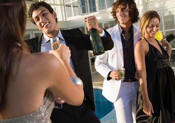 Ha csak részegen van köztetek fizikai kontaktus, egyébként nem jellemző a kapcsolatotokra az érintés.