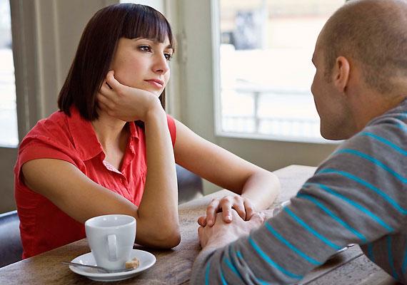 Szintén figyelmeztető jel, ha a férfi túl sokat panaszkodik - főleg, ha az exéről.