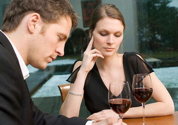 Vedd komolyan, ha már az első randin halálra unod magad vele. Nem valószínű, hogy ez változni fog.