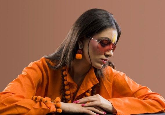 A narancssárga energikus szín, mely vitalitást sugároz, de zavaró lehet, ha túl sok van belőle.