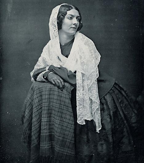 Lola Montez  Édesanyja mindössze 15 éves volt, amikor világra hozta, így nem csoda, hogy a hányatott sorsú Lola mindössze 16 évesen szegődött kurtizánnak. A 19. századi híres prostituált többek között Liszt Ferenc szeretője volt, később a házaséletbe is belekóstolt, de hamarosan újra a színpadon kötött ki, táncosnőként.