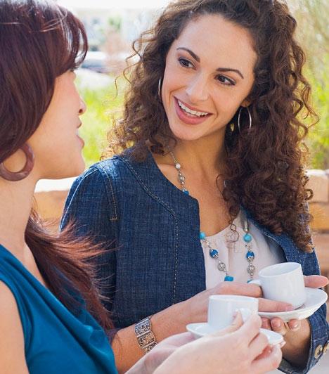 Mondd a nevét!Miután bemutatkoztatok egymásnak, beszélgetés közben bátran mondd ki a másik nevét. Ezzel az ismerősség érzését kelted, és meghittebbé teheted a társalgást. Viszont itt is a természetesség a fő, ne erőltesd csak azért is, ha épp semleges témáról van szó.