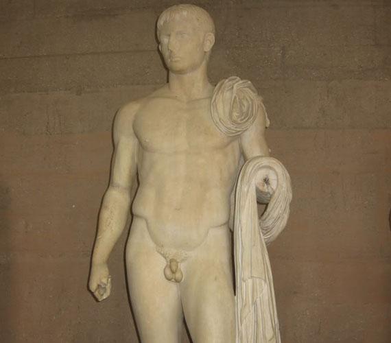 Az antik szépségideál előnyben részesítette a mérsékelten izmos, karcsú férfitestet.
