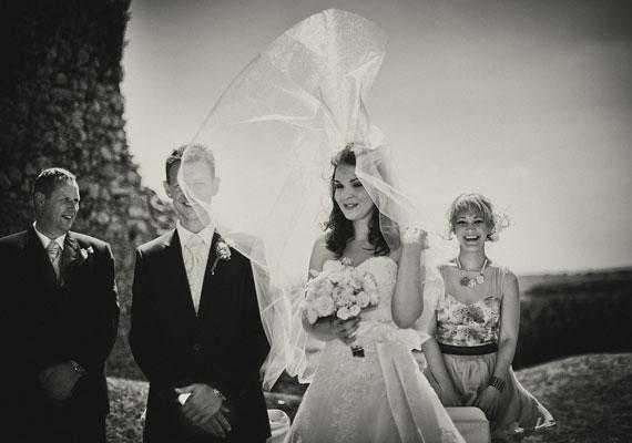 Az Igen kategóriában Szipli Tamásé a második hely, aki egyben az év esküvőfotósa is lett.