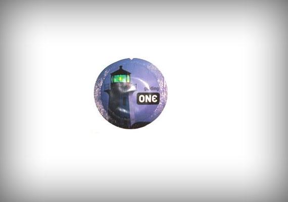 A ONE foszforeszkáló gumijából egyetlen darabért 11,95 dollárt kérnek.
