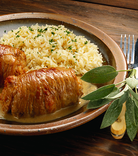 Vágykeltő vacsora  Egy ínycsiklandozó gyertyafényes vacsoránál már csak az lehet erotikusabb, ha némi afrodiziákumot is csempészel az ételbe. Főzz úgy, hogy a vágykeltő fűszerekkel is számolsz: a fahéj, a bazsalikom, a sáfrány és a szerecsendió különösen hatásosak.