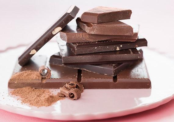 Az afrodiziákumokról megoszlanak a vélemények. Egy kutatásban azonban azok a nők, akik legalább naponta egy kocka csokit ettek, nagyobb libidóról számoltak be.
