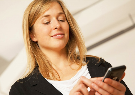 Sokat jelenthet, ha párodnak küldesz egy kedves e-mailt vagy sms-t. Ettől érzi majd, hogy fontos neked, nap közben is sokat gondolsz rá.