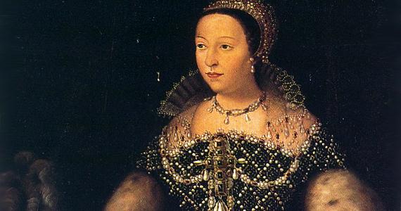 Medici Katalin sem volt az az angyali anyós. Lányát, Margitot a protestáns Bourbon Henrikhez kényszerítette, majd titokban megszervezte az esküvőre érkező protestánsok lemészárlását.