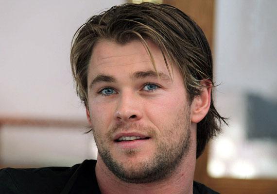 Chris Hemsworth a Hófehér és a vadász című filmben a vadászt alakította.