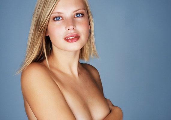 A mellbimbó stimulációja is okozhat orgazmust. Miután egy erogén zónáról van szó, a dolog abszolút helytálló lehet. A magyarázat szerint a mellbimbók stimulációja ugyanazt a reakciót váltja ki a vaginából és a húgycsőből, mint amit az orgazmus - így következhet be végül valóban egy.