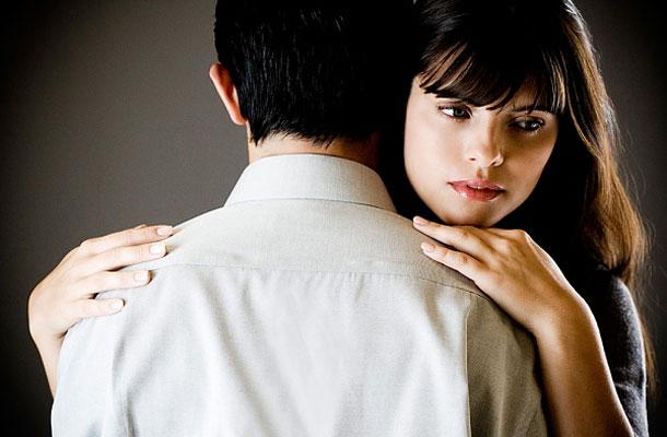 Ártatlan flört vagy szexuális zaklatás?