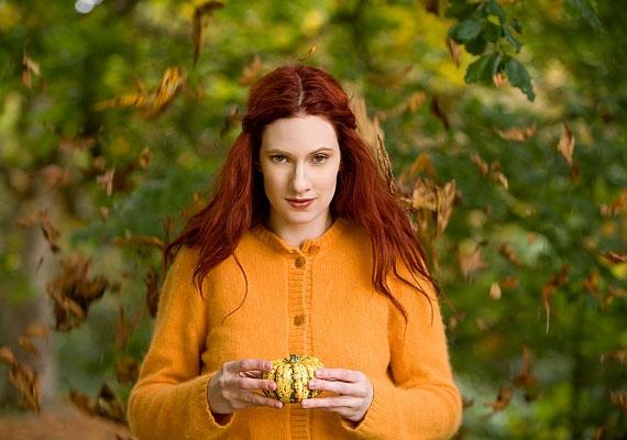 A narancssárgát viselő ember aktív a társaságban, szeret szórakozni, emellett valószínűleg népszerű is, ám olykor hajlamos túldramatizálni a helyzeteket.