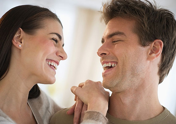 A legteljesebb összhangról az árulkodik, ha egymásra néztek a fotón.