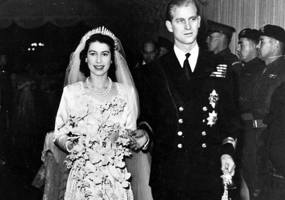Erzsébet királyné és Fülöp herceg nagy napja a maga idejében luxusmenyegzőnek számított. Ugye, milyen mesés vőlegény és menyasszony voltak?