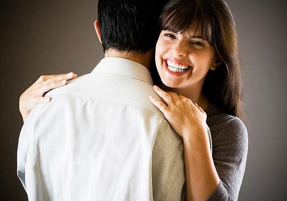 Ha az ölelések egyre ritkábbak, és a férfi inkább csak fogadja, de nem viszonozza az ölelésed, az sajnos nem jó jel.
