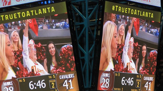 Norma Atlantában lelkesen drukkol a Hawks-nak.
