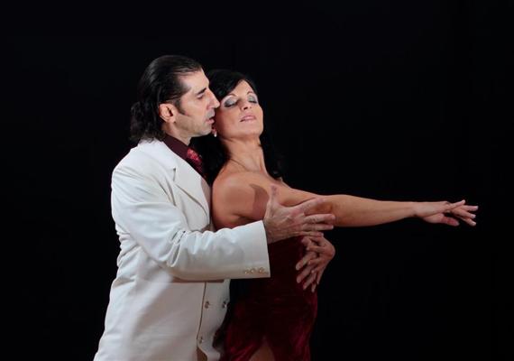 Férfi és nő tökéletes harmóniában, egymást erősítve.