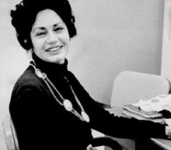 A hibajavítót, mely sok-sok irodai alkalmazott életét könnyítette és könnyíti meg, nem beszélve a diákokról és tanárokról, Bette Nesmith amerikai gépírónő találta fel 1951-ben.