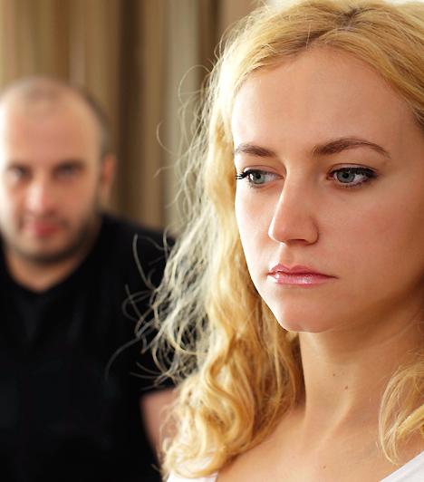 HisztiBár a férfiak hajlamosak olyankor is hisztinek kikiáltani a női reakciót, ha jogos problémát vetsz fel, az ok nélküli kiborulásokat valóban nehezen viselik. Mielőtt számon kéred valami miatt, gondold át, hogy jogos-e a felháborodásod, vagy csak egy kis figyelemre vágysz.