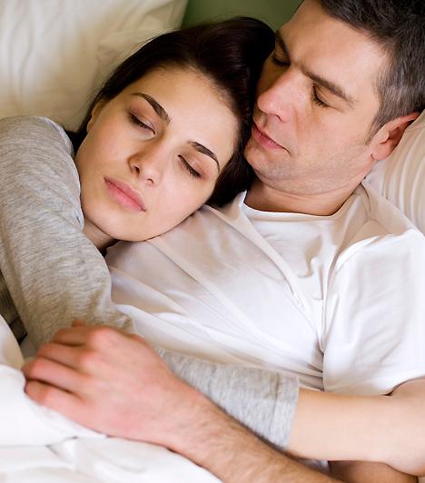 Túlzott ragaszkodásHa egy lépést sem vagy hajlandó a párod nélkül megtenni, és őt sem engeded el egyedül a haverokkal találkozni, az nem a legjobb barátnői magatartás. Minden férfinak szüksége van egy kis szabadságra, a külön töltött időt pedig te is remekül kihasználhatod: keresd fel a barátnőidet!Kapcsolódó cikk:A 4 legfontosabb dolog, amin a kapcsolatod jövője múlik »