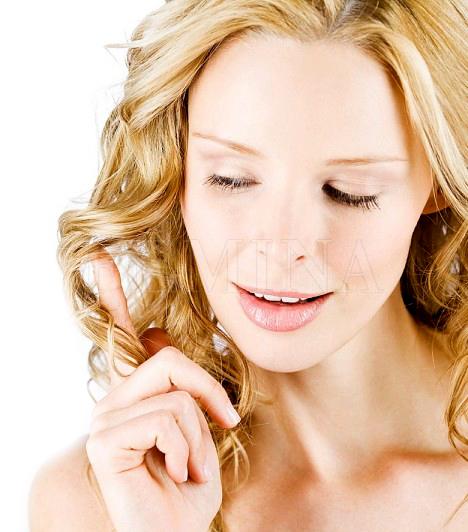 Fehér bőrA fehér bőr, főleg a nyár elérkeztével sok nőt zavar. Ilyenkor megrohamozzák a szoláriumot, vagy a testüket mindenféle szerekkel barnítják. A fehér bőr pedig nem csúnya, sokkal inkább szűzies és csábító a pasik számára. Nem a színe, sokkal inkább a tapintása és az illata a lényeges a bőrnek. Ha szép, illatos és feszes, nem kell aggódnod fehér bőrrel sem.