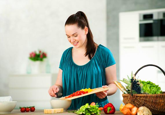 A konyhatündérIsmerős a mondás, hogy a férfi szívéhez a gyomrán át vezet az út? Sok igazság van benne. A pasik zöme imádja, ha egy nő otthon van a konyhában, és finomabbnál finomabb ételeket főz.