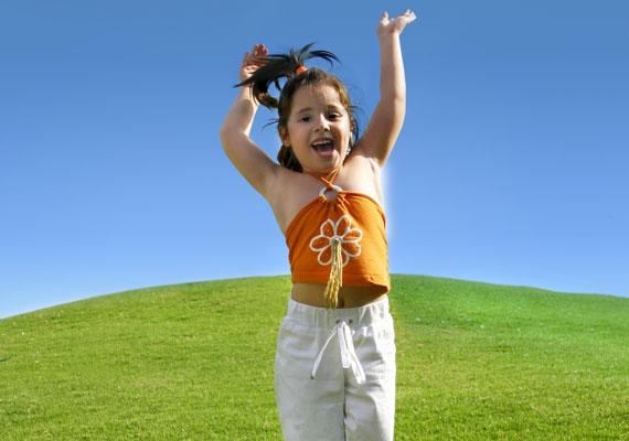 A magasabb gyerekek gyakran jobban teljesítenek a kognitív teszteken, mint alacsonyabb társaik.