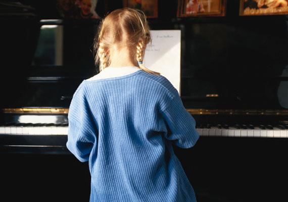Ha tanultál zenét. Már az, ha belekezdesz egy hangszer fortélyainak elsajátításába, átalakítja az idegsejtjeid működését.