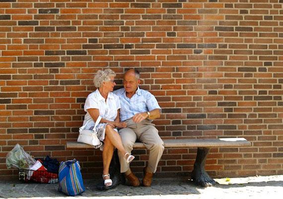 A meghitt beszélgetések is a hosszú, boldog kapcsolat titkai közé tartoznak.