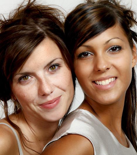 Ne irigykedj!  A barátság akkor lesz jó eséllyel tartós, ha nem másolni akarjátok egymást. Ha örültök egymás sikereinek ahelyett, hogy irigykednétek, és egyikőtök sem féltékeny a másik szépségére, tudására, jó esély van arra, hogy örökké számíthattok a másikra.  Kapcsolódó cikk: 4 árulkodó jel, hogy a barátnőd csak kihasznál »