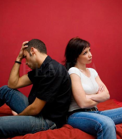 Féltékenység                         A féltékenység sok pasit a sírba visz. A beteges féltékenység persze érthetően zavaró, ám egy bizonyos fokú kell, hogy legyen a kapcsolatban. Ha nem lenne, a férfi úgy érezhetné, a párja számára nem is annyira fontos, és őt talán nem is érdekelné egy másik nő megjelenése a színen. A féltékenység tehát olyan dolog, ami miatt nem haragudniuk, hanem örülniük kellene a férfiaknak.
