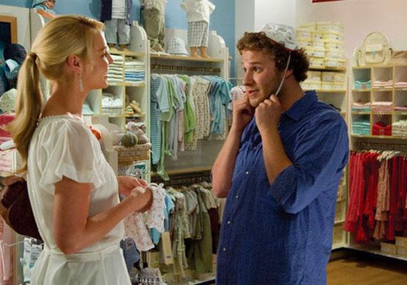 FelkoppintvaA film egy egyéjszakás kalandból következő terhességről szól. Katherine Heigl karaktere folyton problémázik valami miatt, noha a Seth Rogen által játszott figura mindent megpróbál, és a végén még neki kell bocsánatot kérnie. A való élet nem így működik, nincs olyan, hogy valaki tökéletes lenne, a másik pedig mindent elront.