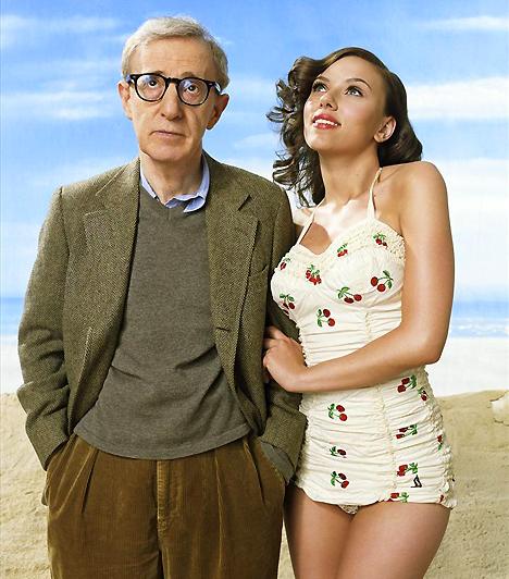 Woody AllenA kicsi, őszülő, ráadásul csúnyácska rendező amilyen előnytelen küllemű, olyan szívdöglesztő belül. Legalábbis ezt feltételeznénk az alapján, hogy filmjeihez rendre a legszexibb színésznőket nyeri meg, ráadásul ha csak egy időre is, de Mia Farrow szívét is meghódította.Kapcsolódó érdekesség:Ilyen volt, ilyen lett: Woody Allen »