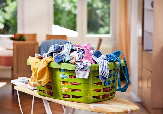 A házimunkavégzés is kemény dió. Ki mit csináljon, és mikor? Hogyan legyenek felosztva a feladatok, hogy mindkét félnek jó legyen? Ez is komoly konfliktusforrás.