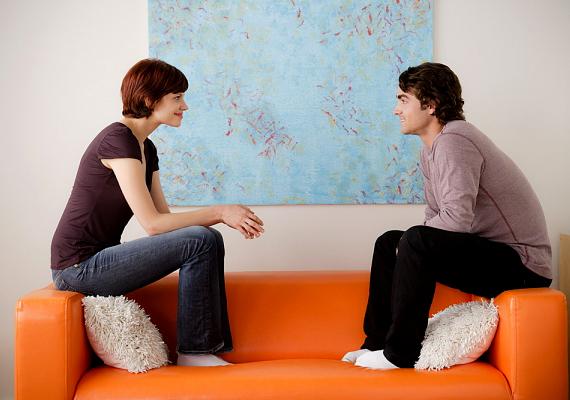 Ha problémád van, bátran fordulj hozzá tanácsért! Ezzel nem terheled őt, sokkal inkább azt mondod el vele, hogy fontos neked a véleménye, szükséged van rá, és jó problémamegoldónak tartod. Ez nagyon jólesik majd neki.