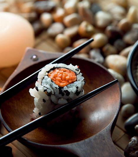 HalAmennyiben párod szereti a japán konyhát, nagy szerencséd van, hiszen a nyers hal is erős afrodiziákum. A halhús fokozza a libidót, ráadásul az egészségre is jó hatással van: tökéletesen alkalmas tehát arra, hogy visszacsempészd a régi tüzet a hálószobába!
