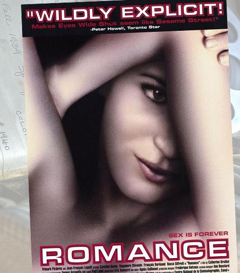 Románc - 1999A Románc azon ritka szexfilmek közé tartozik, ami nem a férfiak szemszögéből ábrázolja a szexualitást. A férfi merev péniszét legalább olyan izgatóan ábrázolja, mint más filmek a női meztelenséget: nem véletlen, hogy az egyik szerető személyében Rocco Siffredi tűnik fel a vásznon.Kapcsolódó képgaléria:Szexi női pornósztárok »